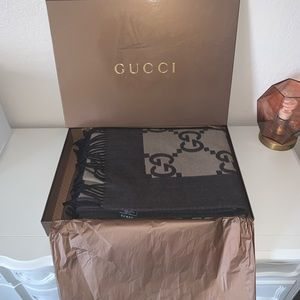 Authentic Gucci wool cashmere throw blanket GG